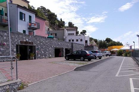 Portovenere, Parcheggio le terrazze