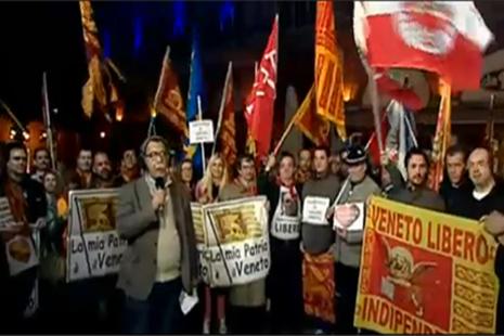 The protesters in Treviso (©serviziopubblico)